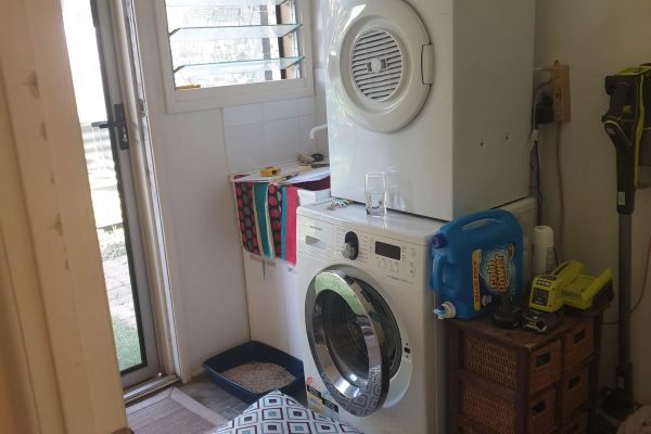 Laundry-window-and-external-door-out